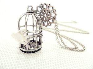 collier-sautoir-pendentif-cage-avec-oiseau-2168971-p1050016-jpg-d28bd_570x0